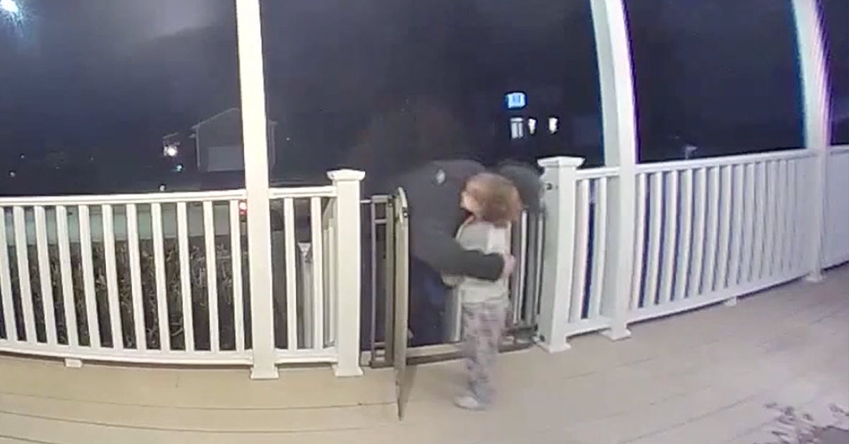 Doorbell Camera Captures Heartwarming Moment When 2-Year-Old Boy Hugs A Grieving Pizza Delivery Man